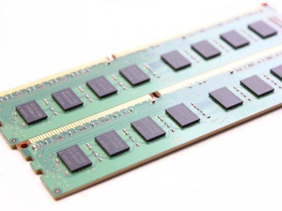 FA機器メーカー向け、CMOSラインスキャンカメラ用基板実装