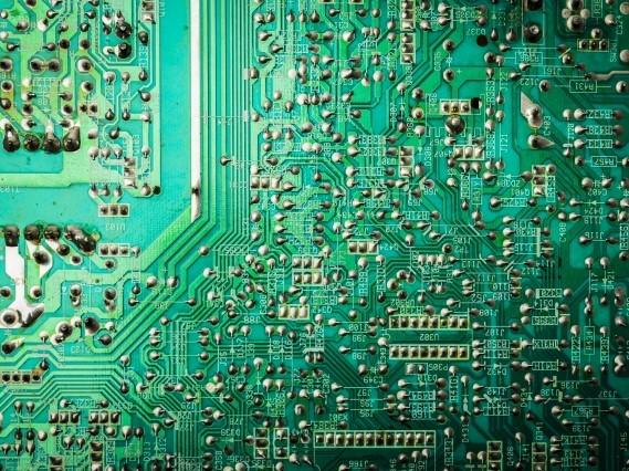 FA機器メーカー向け、ねじ式 アンプ内蔵形光電子センサ用基板実装、完成品組立