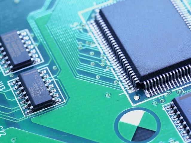FA機器メーカー向け、ワイドエリアセンサ用基板実装、完成品組立