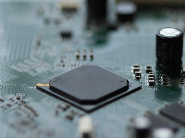 FA機器メーカー向け、高速ライン型欠点検査装置用基板実装