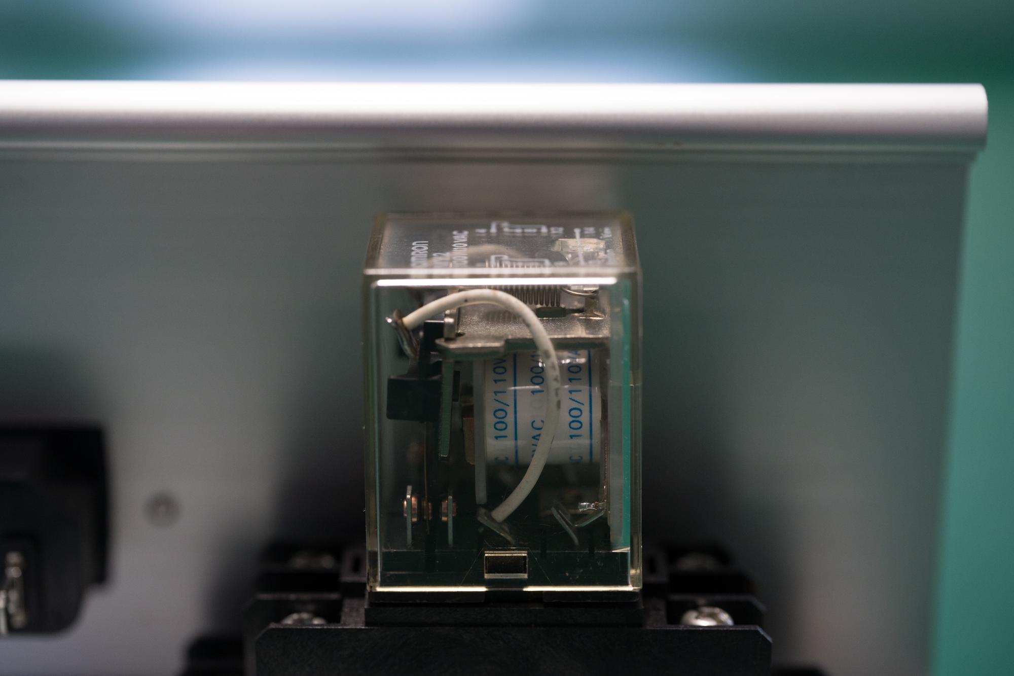 FA機器メーカー向け、防爆構造光電センサ接続用リレー用基板実装、完成品組立