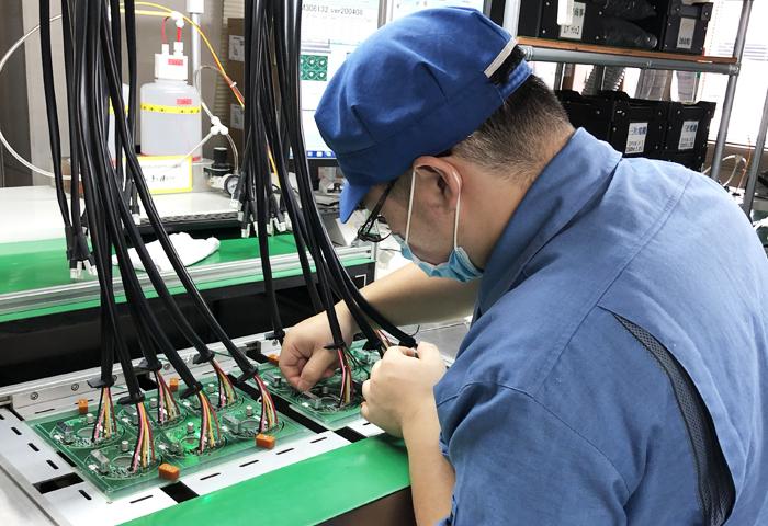 基板試作、部品調達、基板実装から組立まで一貫対応!